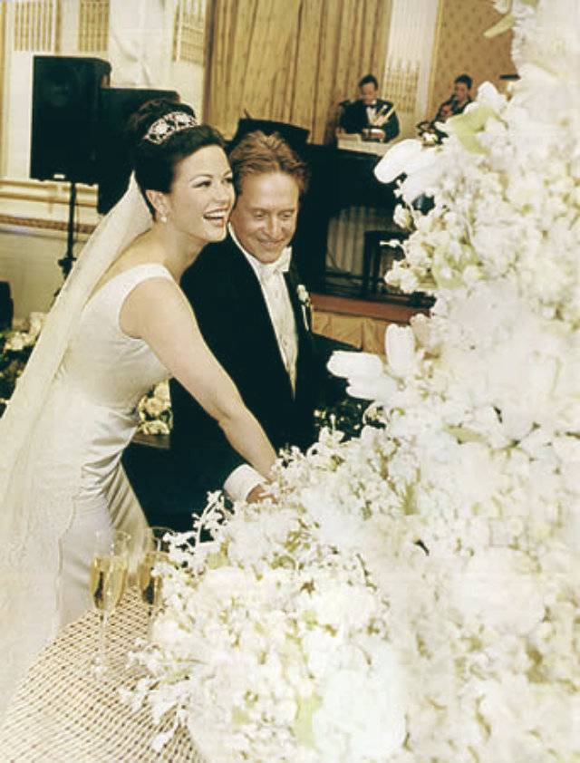 celebrity-homes- wedding-cakes-10  Most expensive celebrity weeding cakes celebrity homes wedding cakes 10