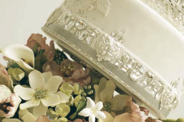 most expensive celebrity weeding cakes celebrity homes. Black Bedroom Furniture Sets. Home Design Ideas
