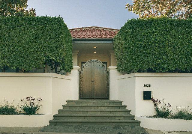 Mila Kunis House  Mila Kunis Los Angeles House Image00010