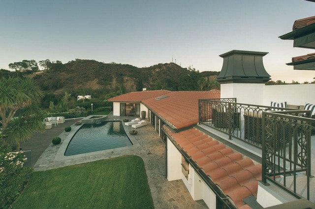 Mila Kunis House  Mila Kunis Los Angeles House Image00015