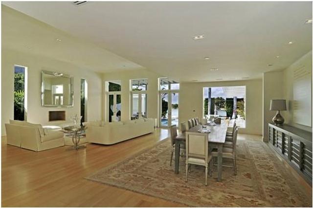 Shakira-Miami-Beach-Mansion-dining room  Celebrity Homes —Shakira Luxury Mansion in Miami Beach Shakira Miami Beach Mansion dining room