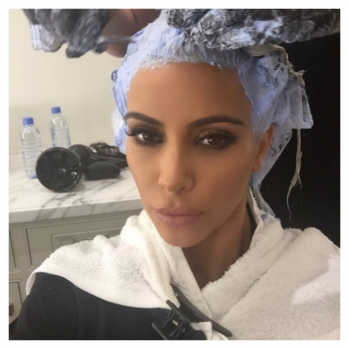 Celebrity Gossip Kim Kardashian is no longer a blonde girl (3)  Celebrity Gossip: Kim Kardashian is no longer a blonde girl Celebrity Gossip Kim Kardashian is no longer a blonde girl 3