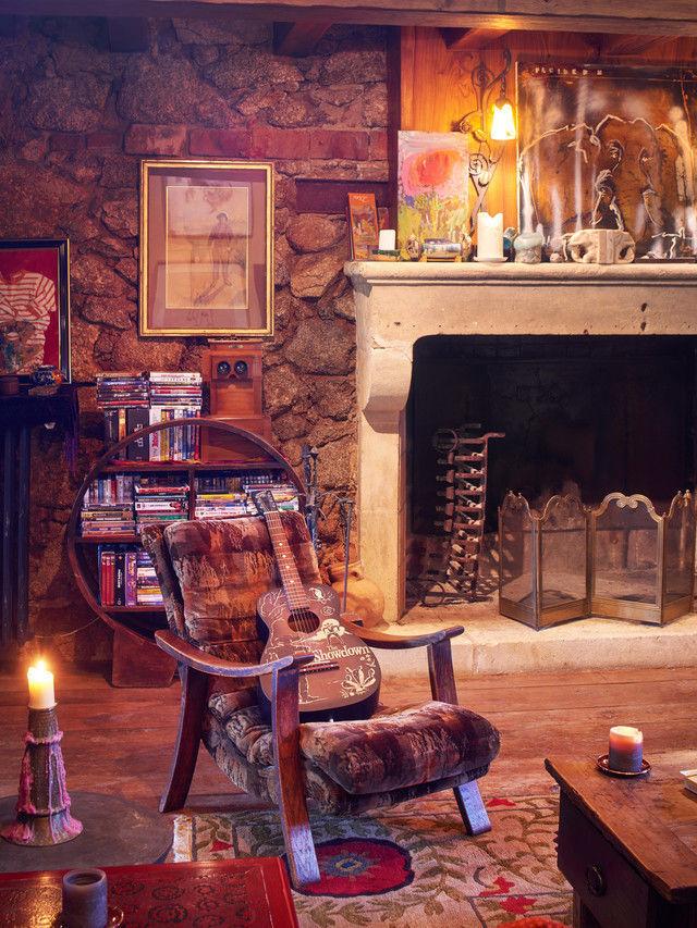 Celebrity Homes: Johnny Depp French village | Celebrity Homes