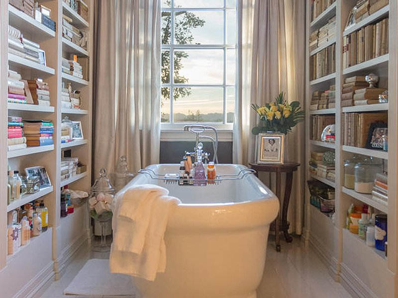 Celebrity Homes: Top 5 celebrity bathrooms  Celebrity Homes: Top 5 celebrity bathrooms JLO