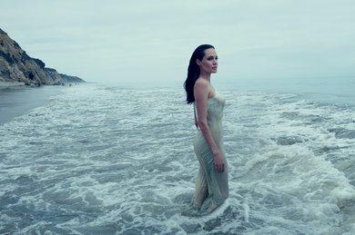 Celebrity News Anjelina Jolie by the sea (1)  Celebrity News: Angelina Jolie by the sea Celebrity News Anjelina Jolie by the sea 9