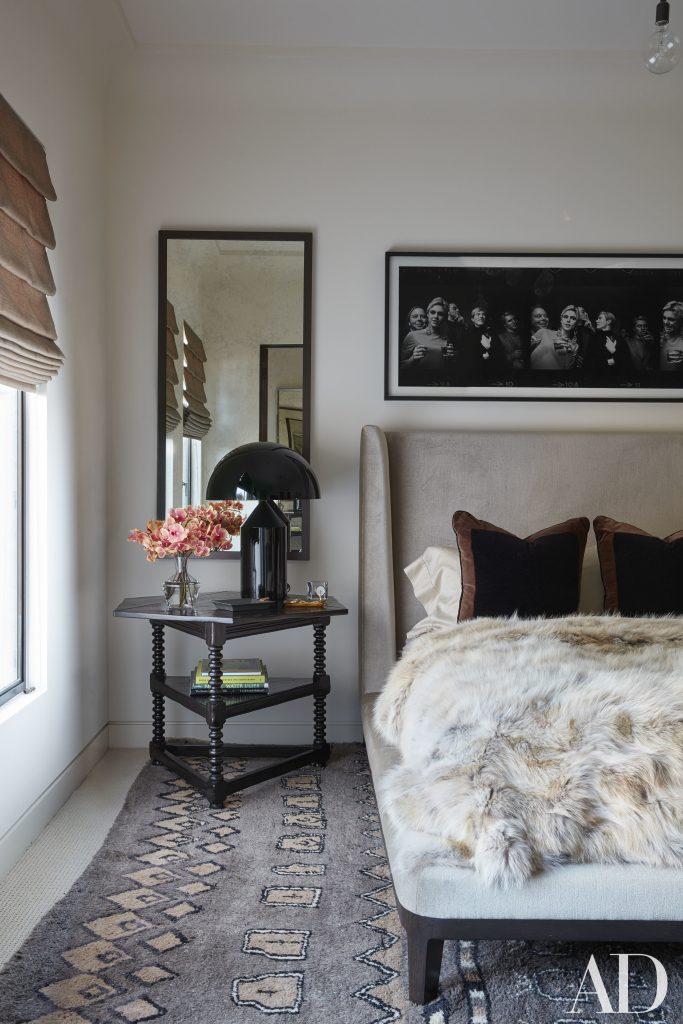 Celebrity Homes Khloé and Kourtney Kardashian Dream Homes in California (8)